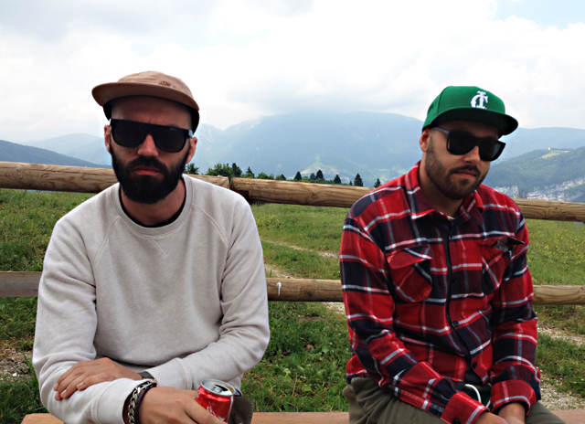 Gli Ackeejuice Rockers, duo di producer veneti che ha collaborato con Kanye West per il suo ultimo album Yeezus