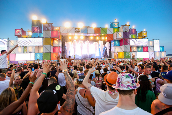 Festival inglesi miliardo euro guadagno economia