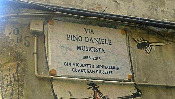 Via Pino Daniele, a Napoli