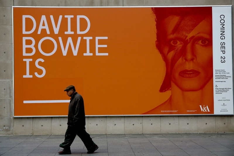 foto via chicagotribune.com - David Bowie is a Bologna