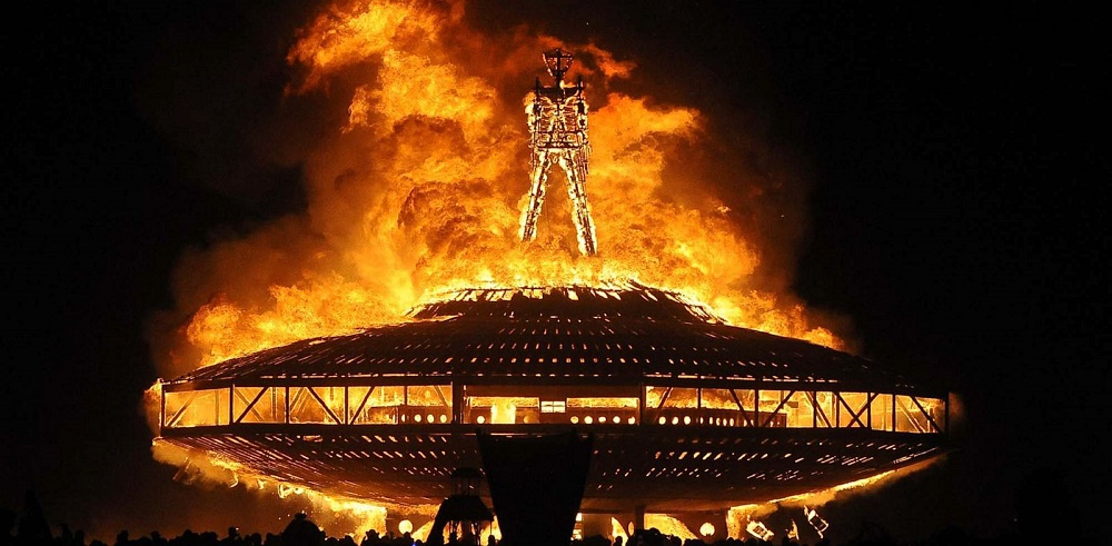 foto via abcnews.com - Burning Man David Bowie