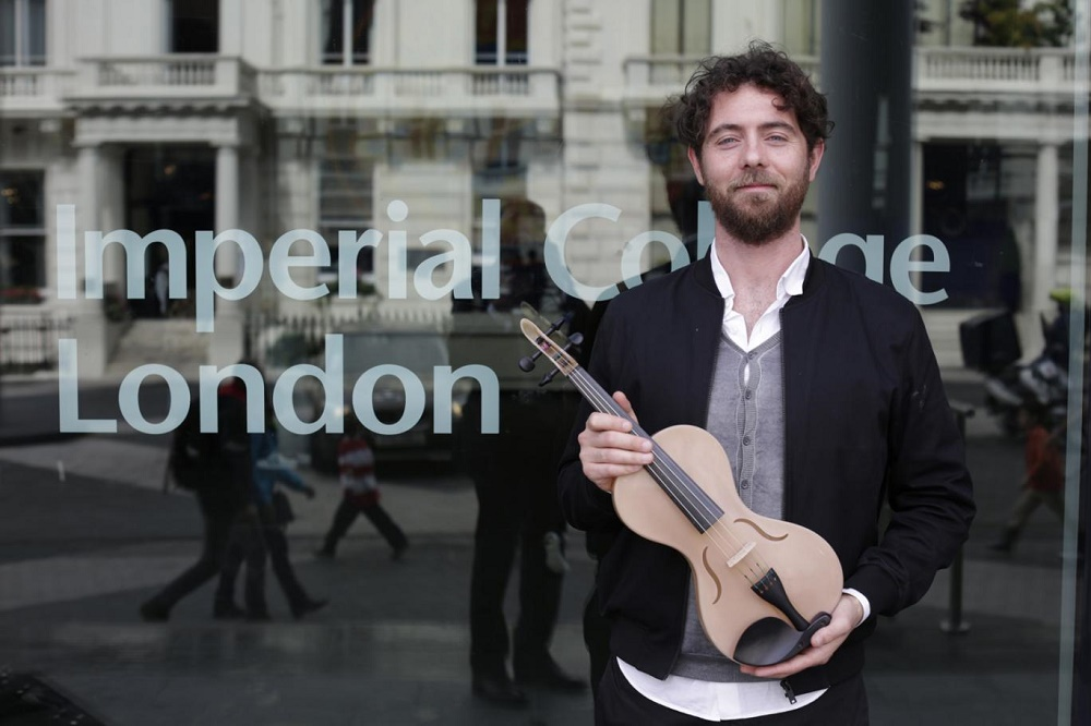 via standard.co.uk - Violino seta ragno