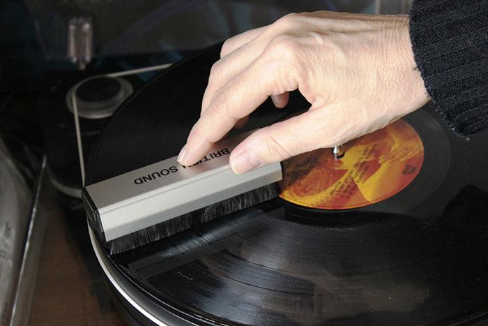 via Musica & Memoria - vinili polvere rimedi