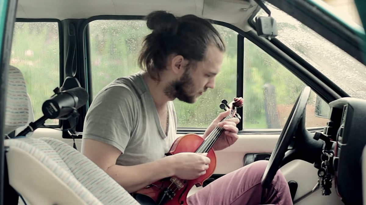 via youtube - ricerca riflessi musica