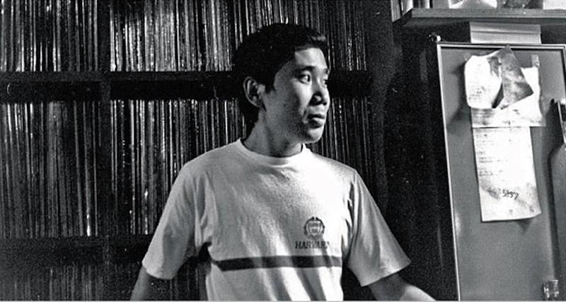 Haruki Murakami nel suo vecchio jazz club