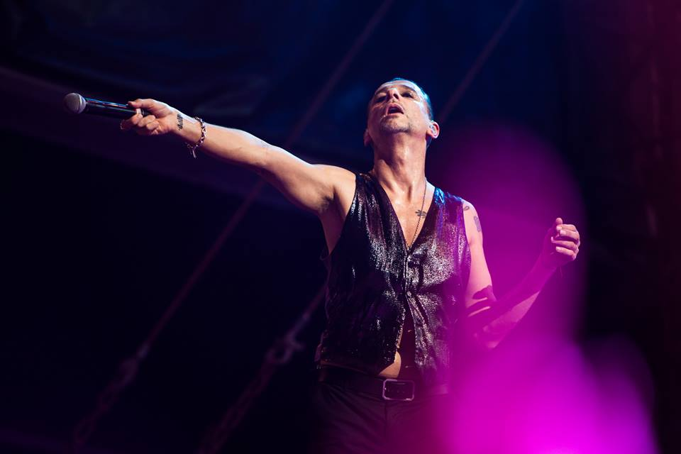 Fotografare i musicisti: i bellissimi scatti di Henry Ruggeri - I Depeche Mode ad Abu Dhabi