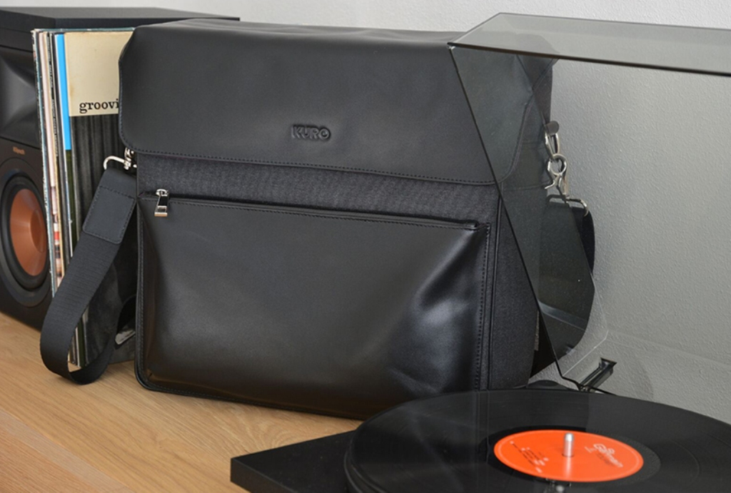 <a href=https://thevinylfactory.com/news/kuro-record-bag/ target='_blank'>Kuro Record Collector Bag</a>
