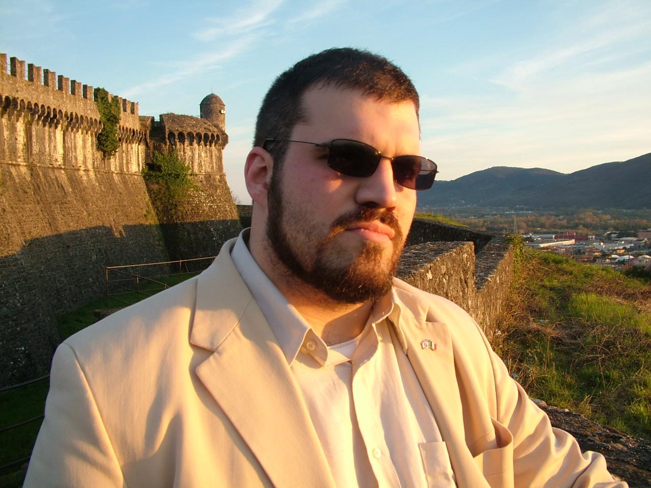 La trasmissione di Italia 1 Lucignolo chiama Rocco di Reset! sperando di trovare un organizzatore di raver illegali. Il resoconto di una telefonata surreale