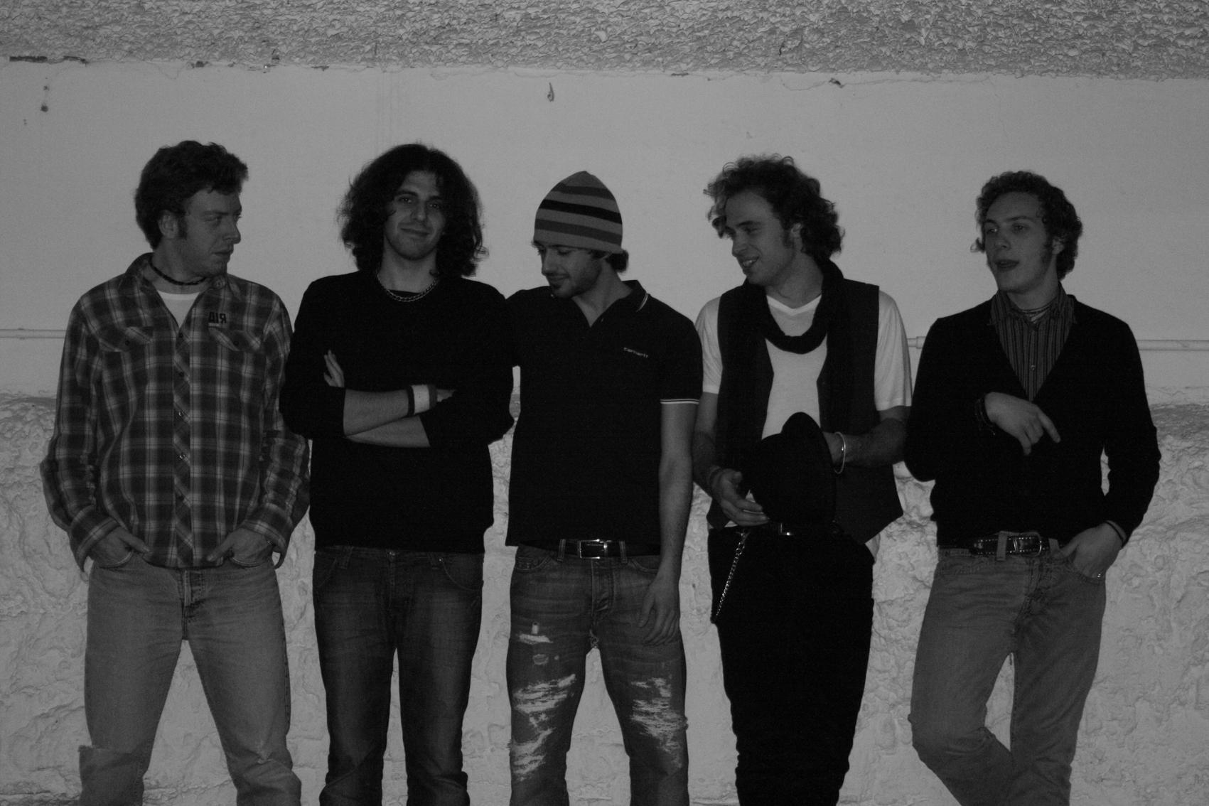 Foto di onstageweb.com - Bugo nuovo album nessuna scala