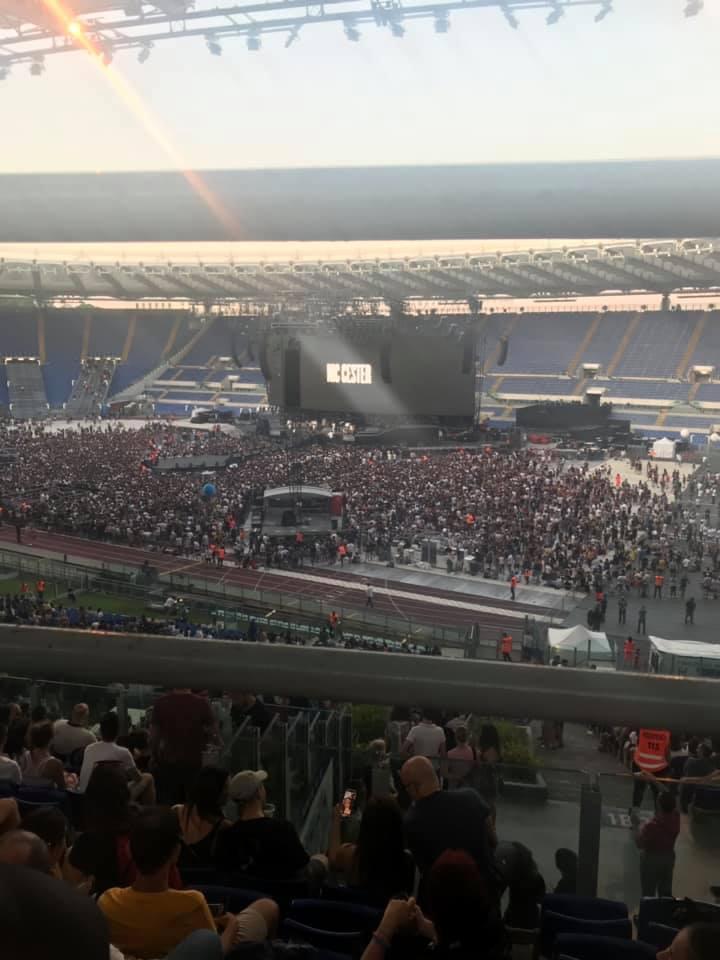 Come un disabile è costretto a vedere un concerto allo Stadio Olimpico di Roma, senza possibilità di scelta, foto di sottoilpalcoancheio