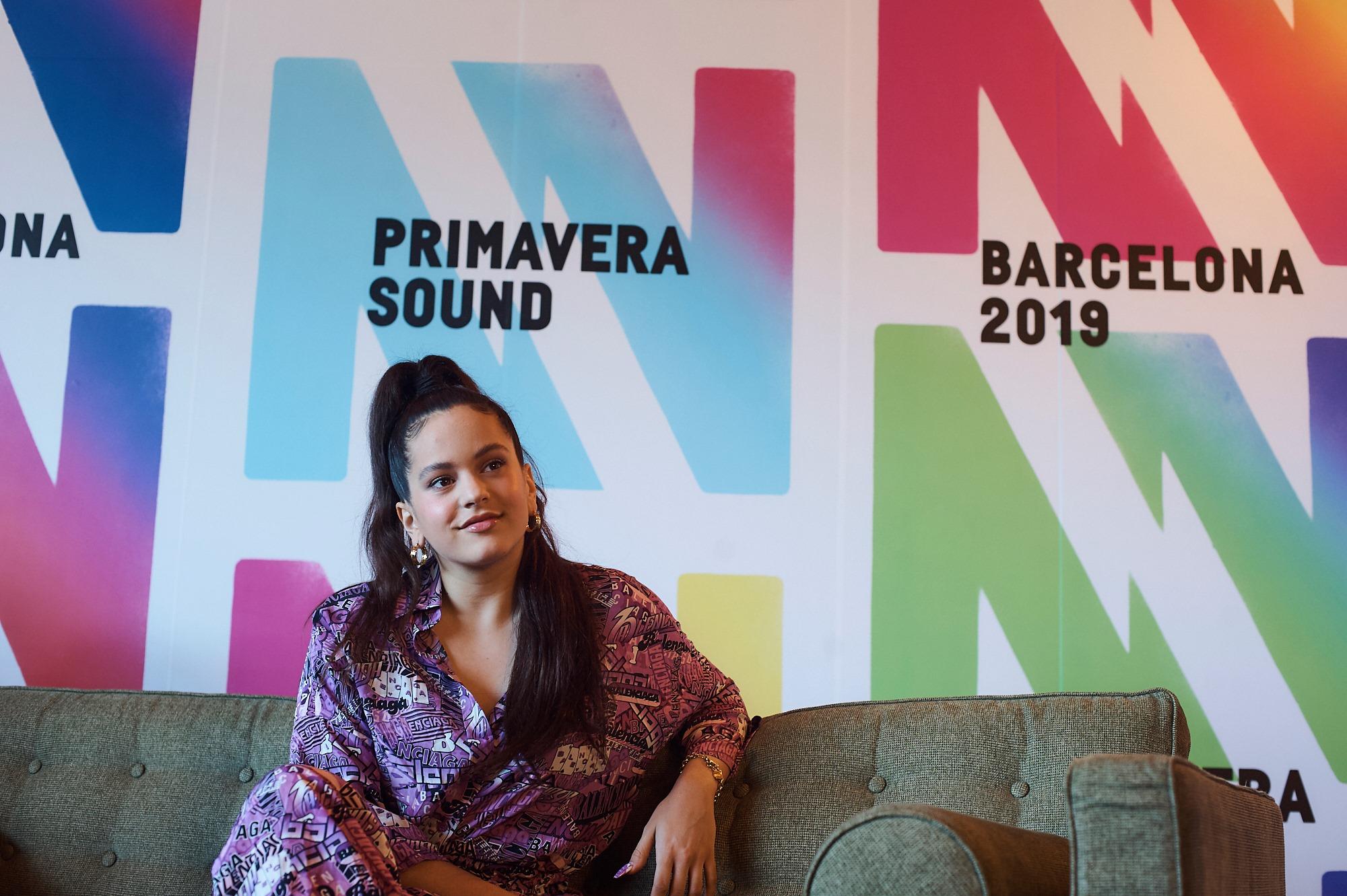 Rosalía durante la conferenza stampa del Primavera del 2019 - foto di Paco Amate