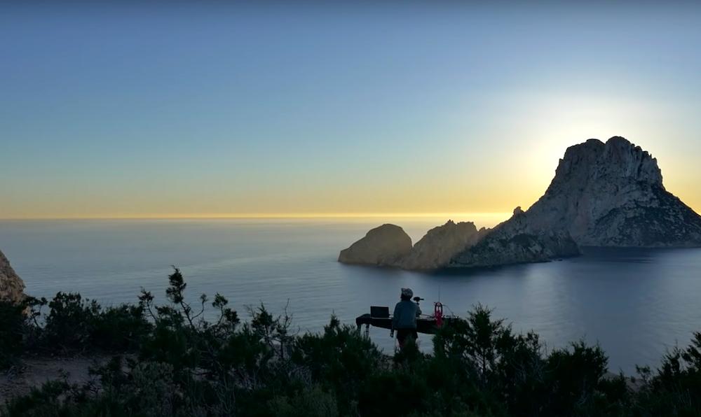 Dal video di Giorgia Angiuli live @Es Vedrà in Ibiza for Cercle