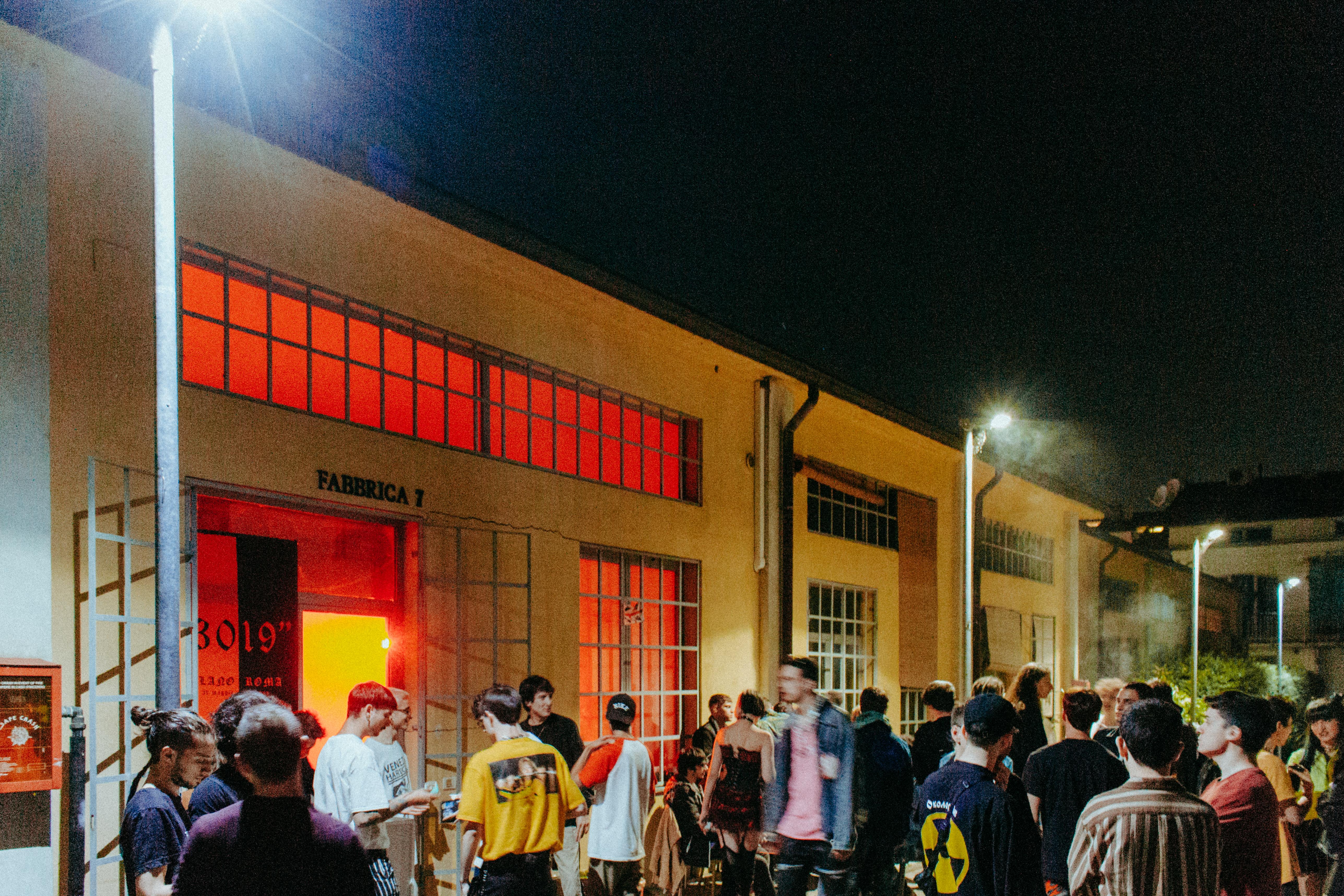 Davanti Fabbrica 7 - foto di Hélio Gomes