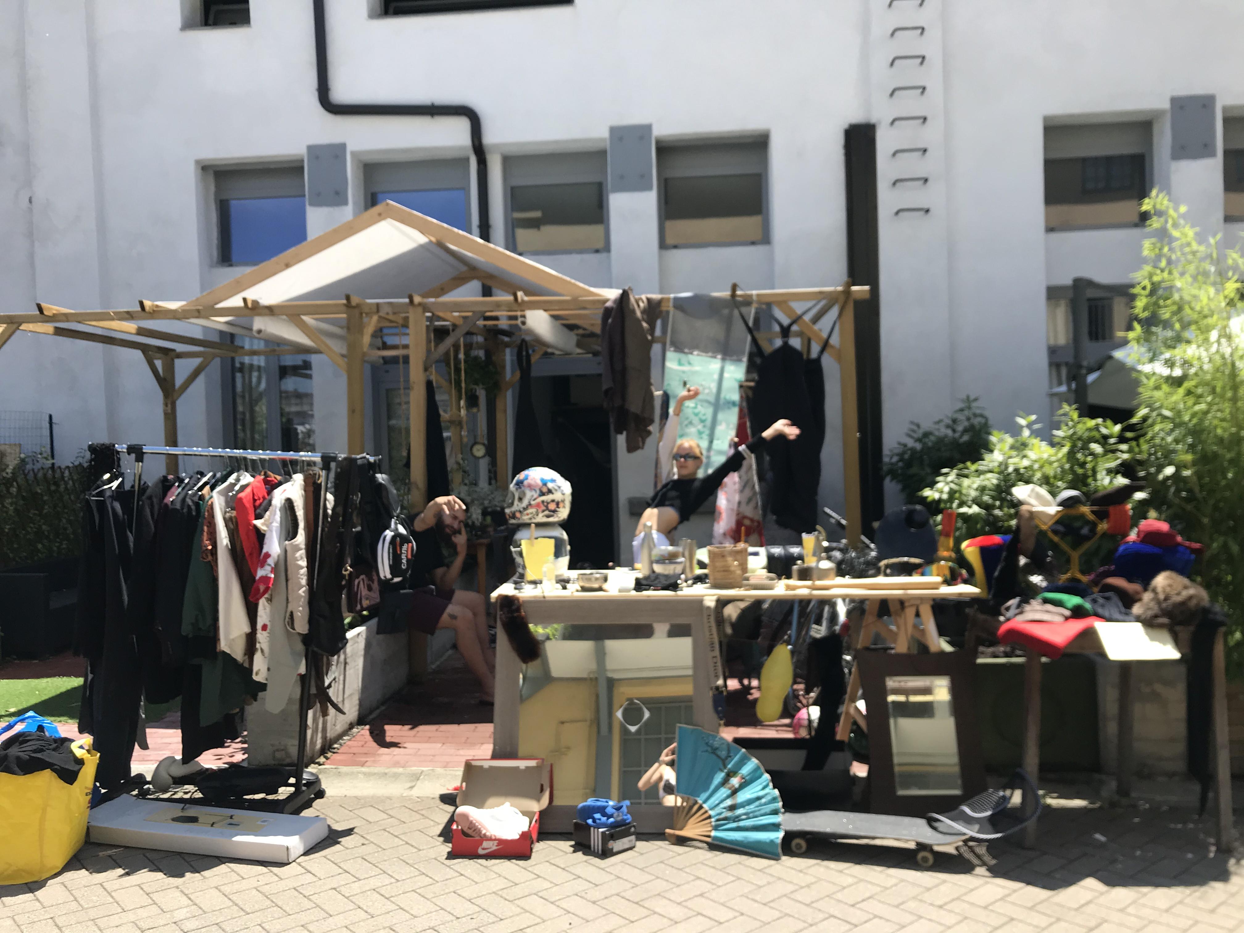 Mercatino organizzato in Tucidide da Giorgia Andreazza, modella e designer
