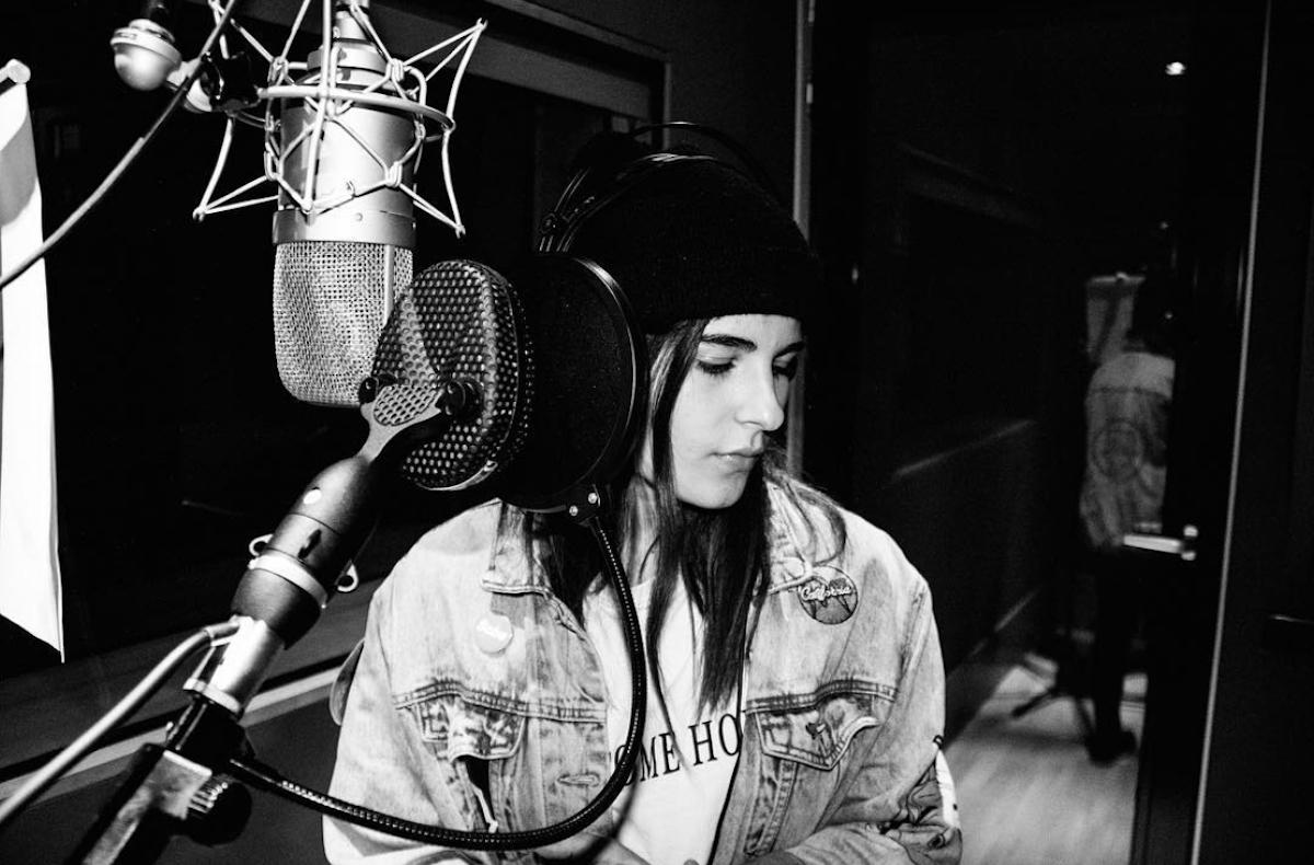 Nicol al suo primo giorno in studio di registrazione