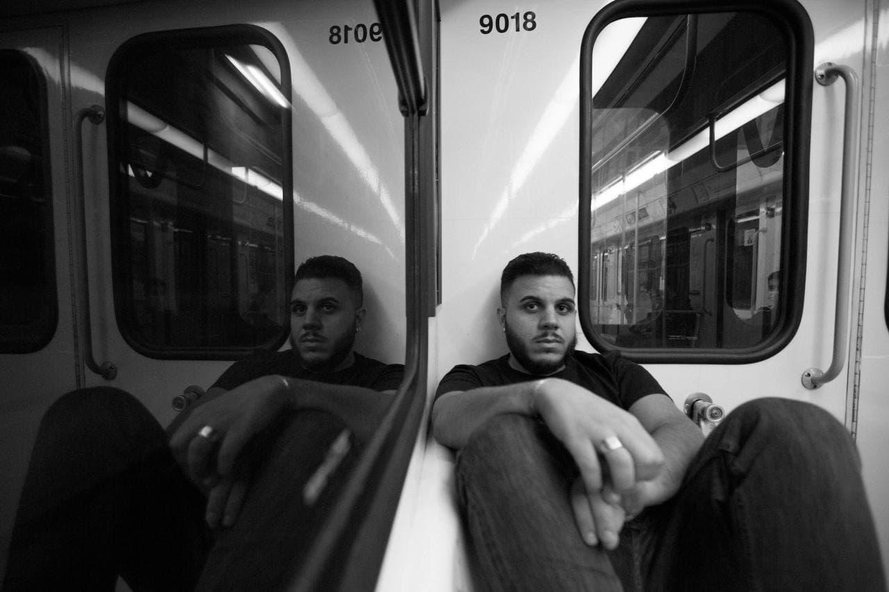 Pablo in metro - foto Roberto Graziano Moro