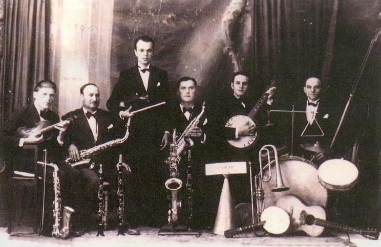 L'orchestra Casadei ai suoi esordi - foto via Wikipedia