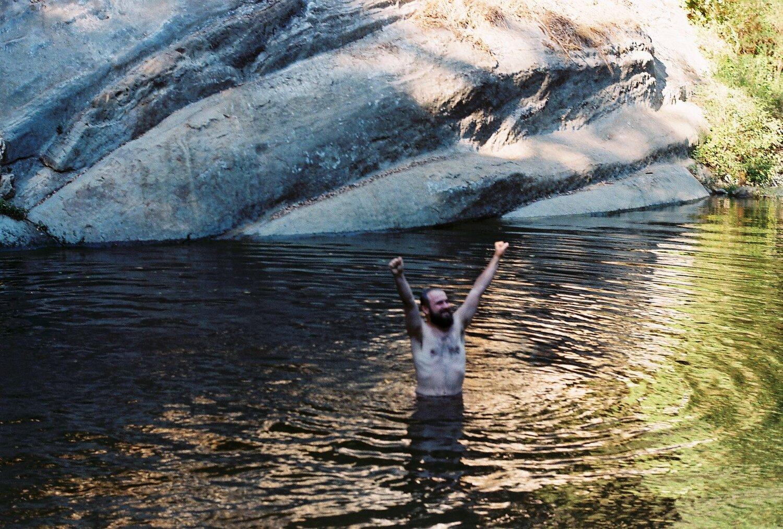 Miles il 14 agosto del 2010, vicino Brookdale Lodge, a Santa Cruz, CA - foto dal sito ufficiale in ricordo di Miles www.milescooperseaton.com
