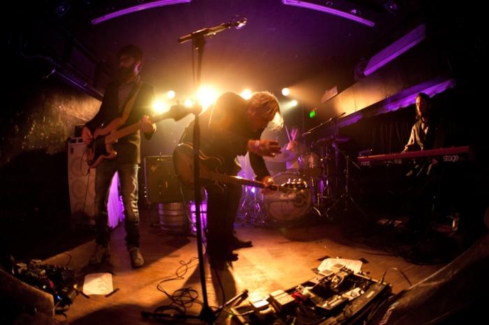 La band di Paolo Benvegnù sul palco