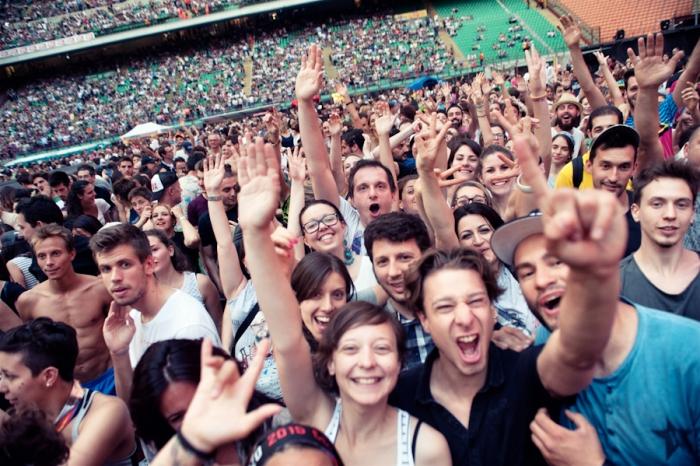 Il pubblico di San Siro, al concerto di Jovanotti