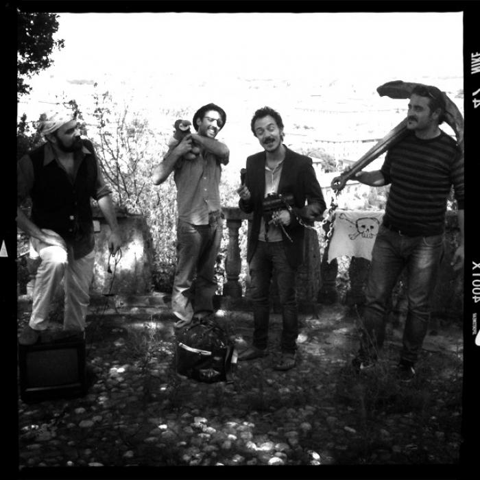 Canzoni Corsare Shoot 1 - image_29.jpg