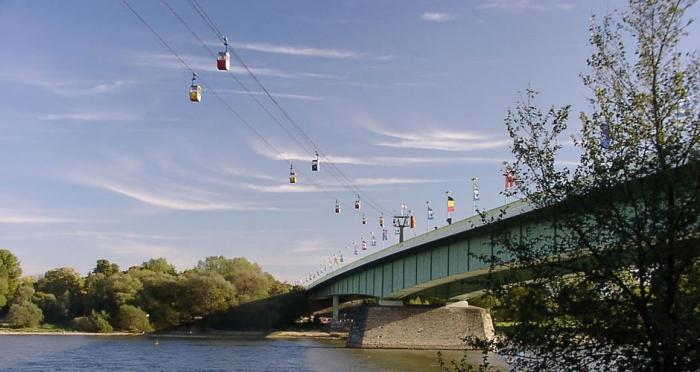 Deutzer Bridge - Colonia, Germania
