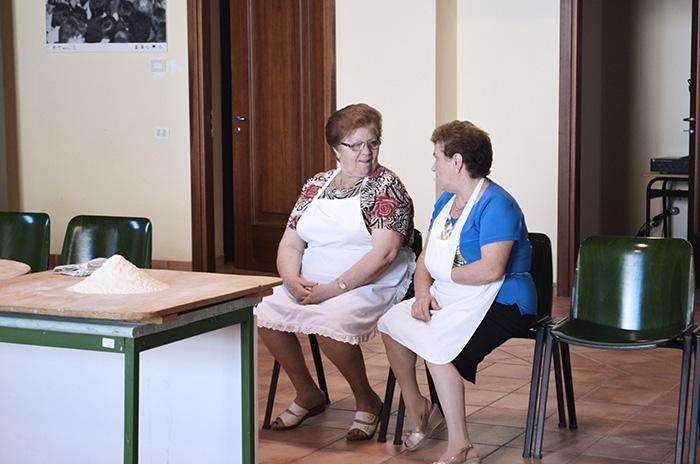 Un racconto fotografico dello sponz fest il bizzarro - Nonne in cucina ...