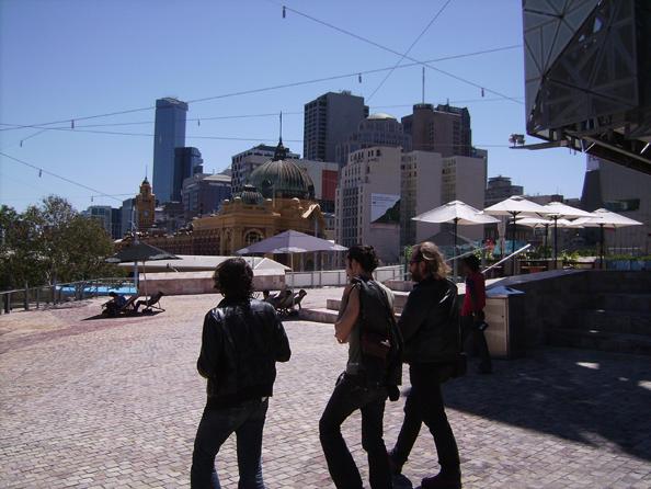 Ufo, Karim e Toffler a spasso per Melbourne