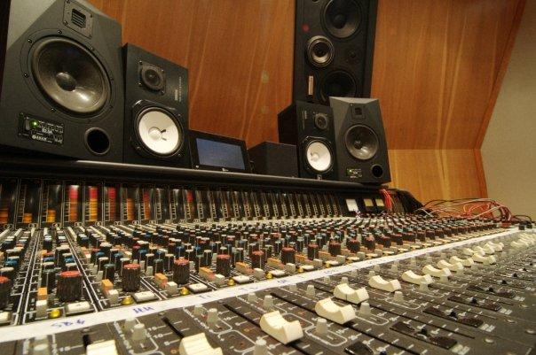 Groovefarm - Harrison Desk