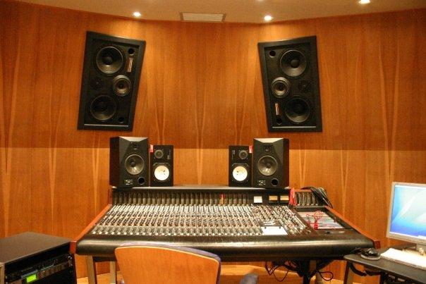 01 - Regia Groovefarm - Harrison Room