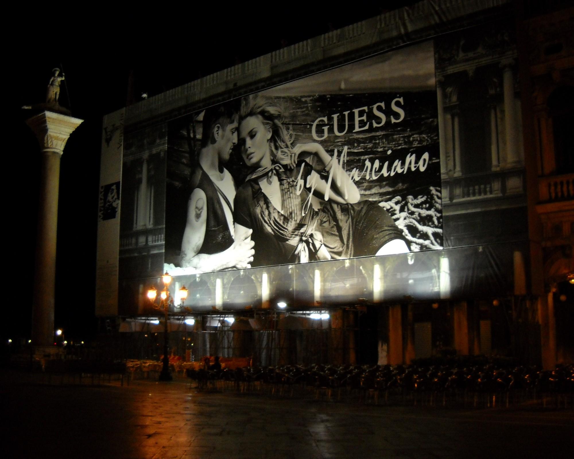 Piazza Guess by Marciano - Venezia