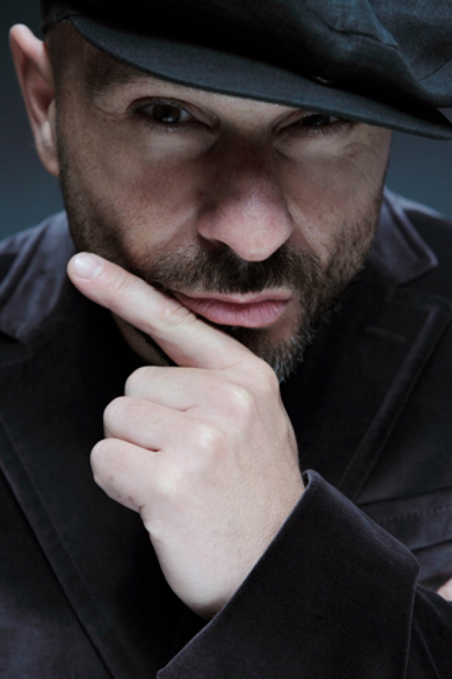 Raiz e Giuseppe De Trizio in concerto 04-01-2011.jpg
