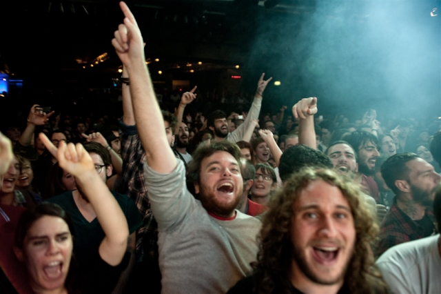 L'entusiasmo tra il pubblico dei Marta Sui Tubi