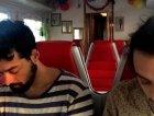 Due Pashmak si rallegrano nel vagone ristorante.