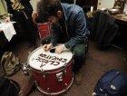 Portland, Jon incide la batteria