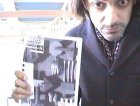 Abe, chitarrista degli Estra fotografato dalla Webcam di Rockit al Meeting delle Etichette Indipendenti (Faenza, novembre 1999)