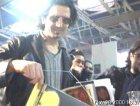 Omar Pedrini dei Timoria con la fanza Rockit.