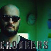 """Crookers nella parodia di """"NCSI - Unità anticrimine"""" fatta da Funny or die"""