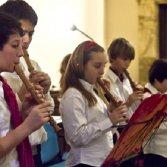 Cosa si insegna nelle scuole italiane durante le ore di musica?