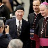 The Edge U2 Papa Cappella Sistina