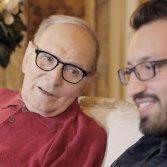 Come fare amicizia con Ennio Morricone (e scrivere la storia della sua vita)