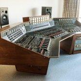 """All'asta il mixer con cui i Pink Floyd hanno registrato """"The Dark Side of the Moon"""""""