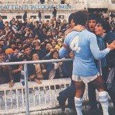 1979, il capitano laziale Wilson calma i tifosi (Wikipedia)