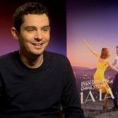 """Damien Chazelle, regista di """"La La Land"""", produrrà un musical in otto puntate su Netflix"""