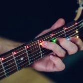 Fret Zealot, il sistema a led per imparare a suonare la chitarra