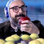 """Brunori Sas (immagine dalla clip di presentazione di """"Brunori sa"""")"""