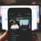 Troppa pubblicità al disco di Drake, gli utenti di Spotify negli USA chiedono il rimborso