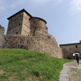 Le hit del prossimo anno sono nate in un castello medievale