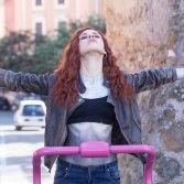 """Fotografare un istante e ricordarlo per sempre: Mimosa racconta il suo nuovo album """"Hurrah"""""""