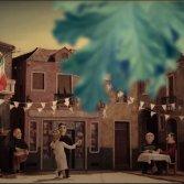 """Frame dal videoclip di """"Balkanika"""" dei Guappecartò"""